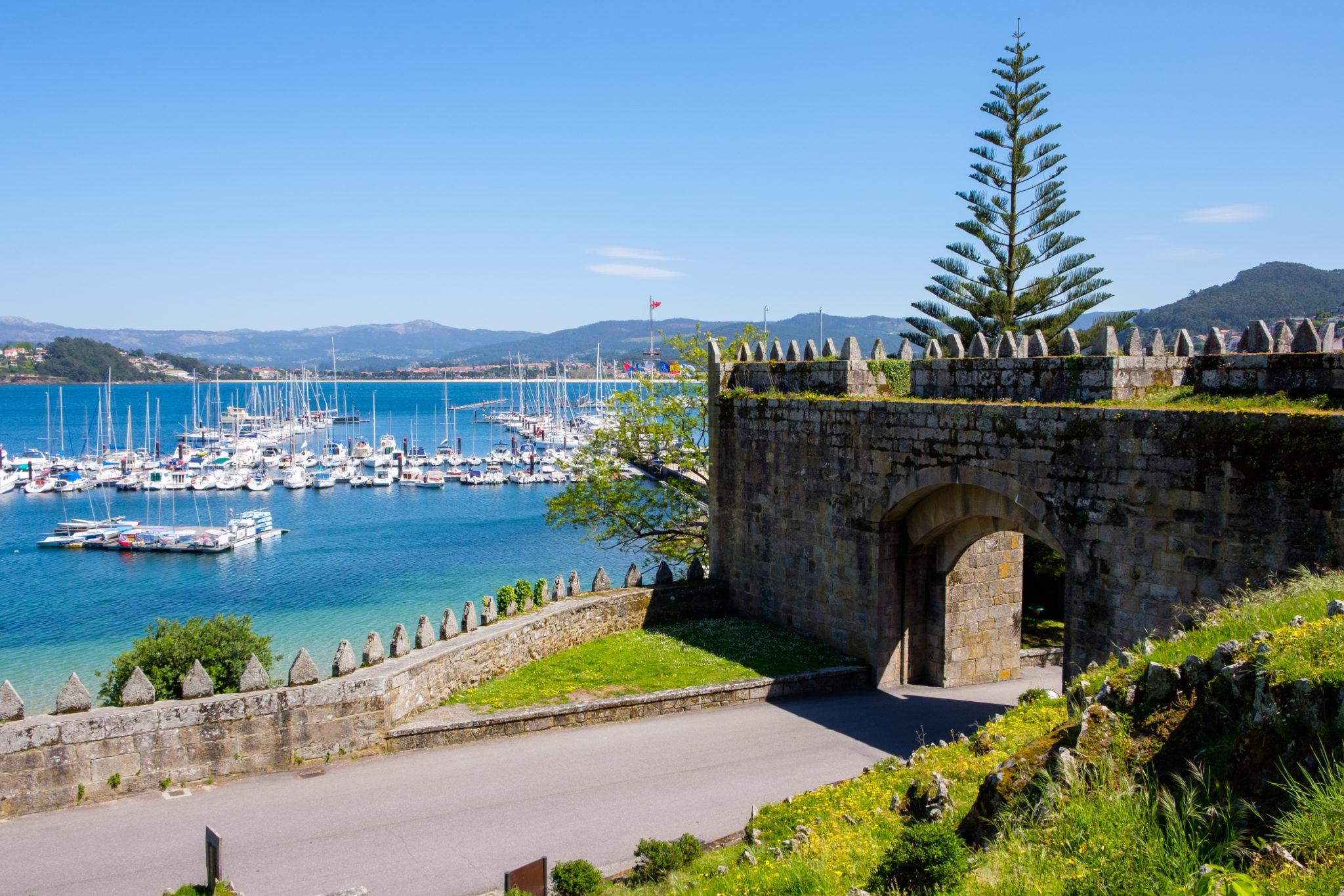 Seafood & Paradores: Porto cycling tour to Santiago de Compostela