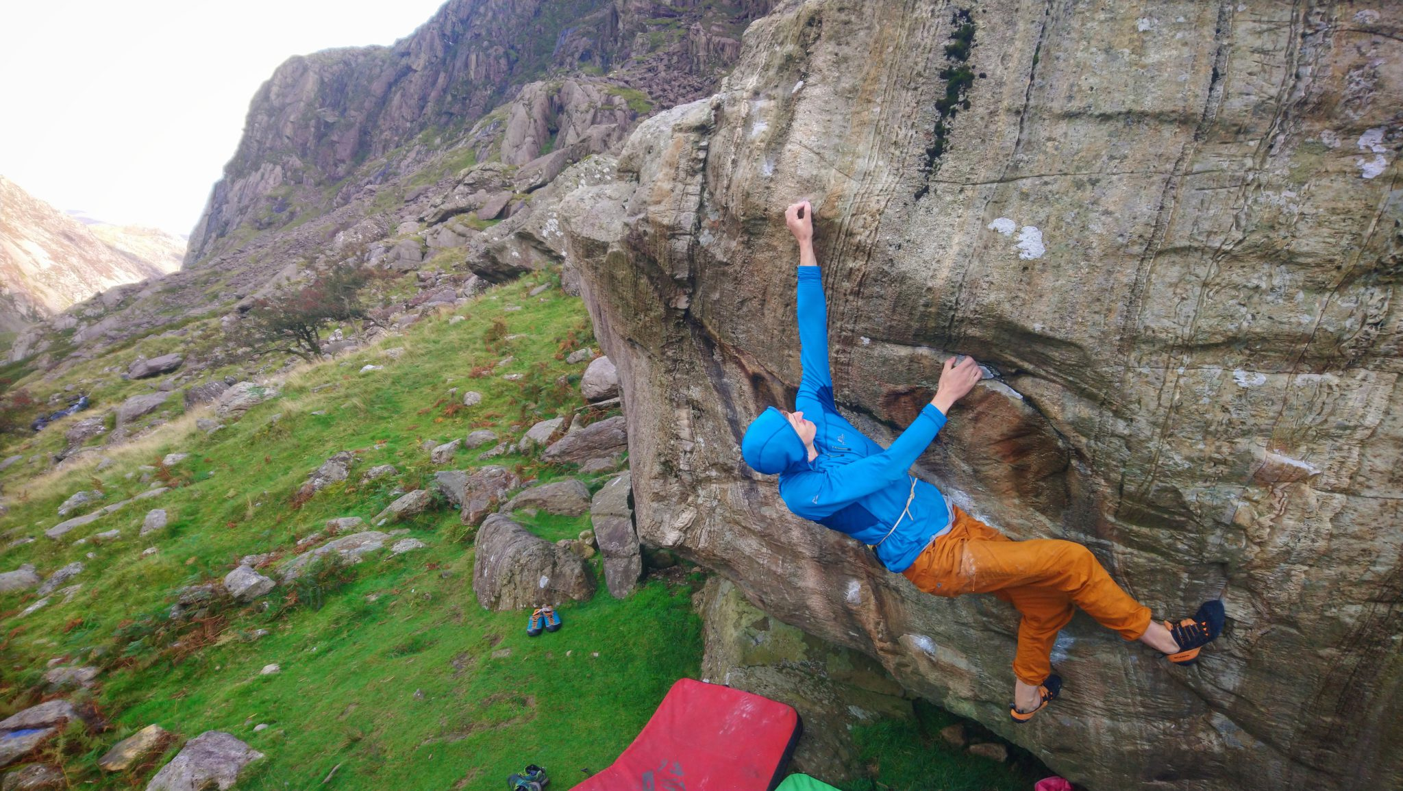 Wales bouldering experience in Snowdonia: 1:1, full day & outdoor