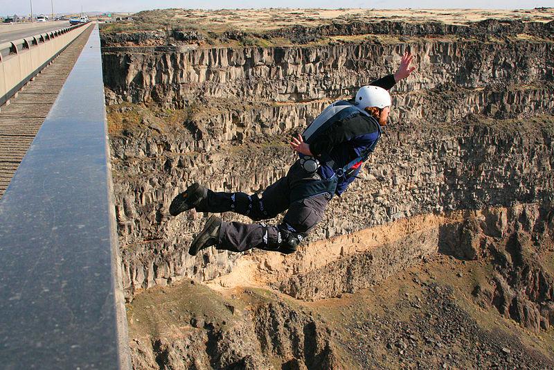 best USA extreme sports BASE jumping Perrine Bridge Idaho Wikimeida CC image by Chris McNaught