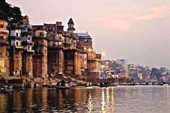 10 Day Taj, Temple & The Ganges classic India overland tour
