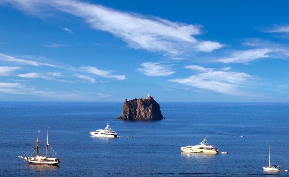 Aeolian Islands one of the top 3 Destinations for Luxury Learn to Sail Holidays in Europe pixabay royalty free image