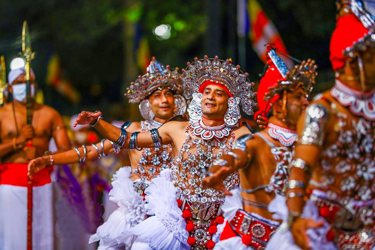 Festival Tour in Sri Lanka 8 Days