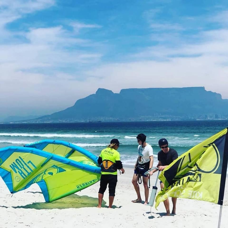 Kitesurfing Lessons in Cape Town: Kitesurf in South Africa