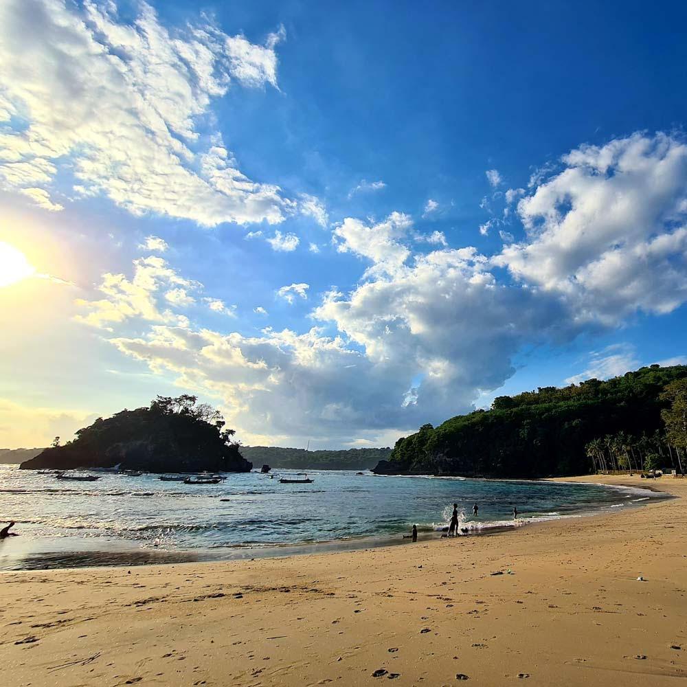 Crystal Bay, Nusa Penida, Indonesia Photo by Cara Rees