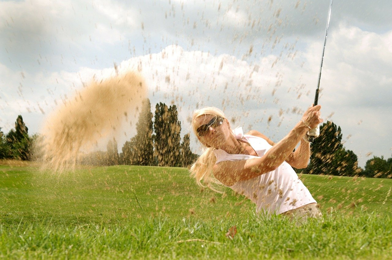 How NLP improves sports performance - Golfer - royalty free from PixaBay
