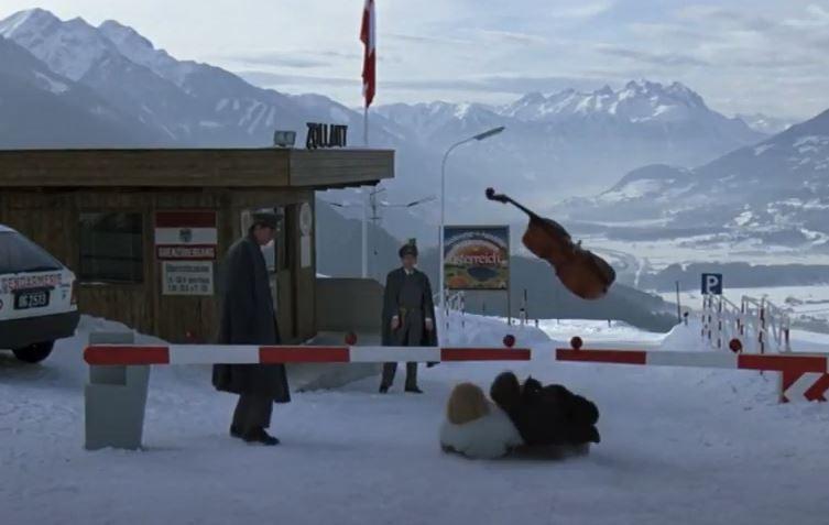 Does James Bond ski or snowboard - snow scene - Living Daylights