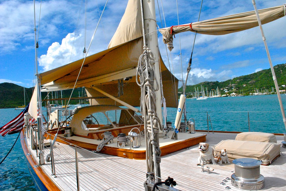 5 West Indies yacht charter tips pixabay royalty free image of sailing in antigua
