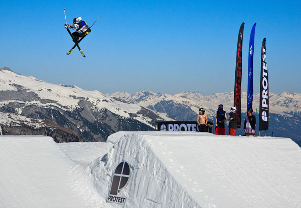 Freestyle skiing at winter festival