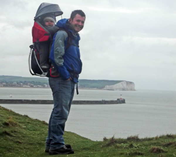 Child Carry, child carrier baypack, Deuter Kid Comfort, child carrier, daysack, rucsacks, travel gear, baby carrying backpack